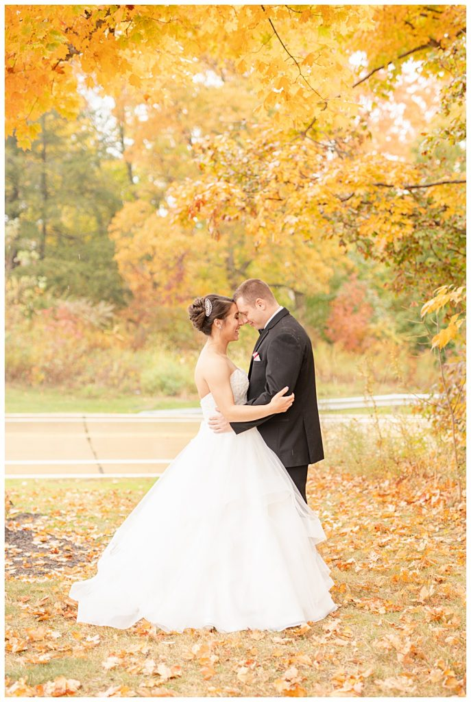 rainy October wedding, Noahs event venue, mentor Ohio, October rainy wedding